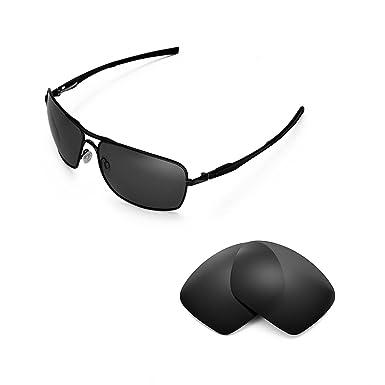 1c6125cbb2 Walleva Replacement Lenses for Oakley Plaintiff Squared Sunglasses -  Multiple Options (Black - Polarized)  Amazon.co.uk  Clothing