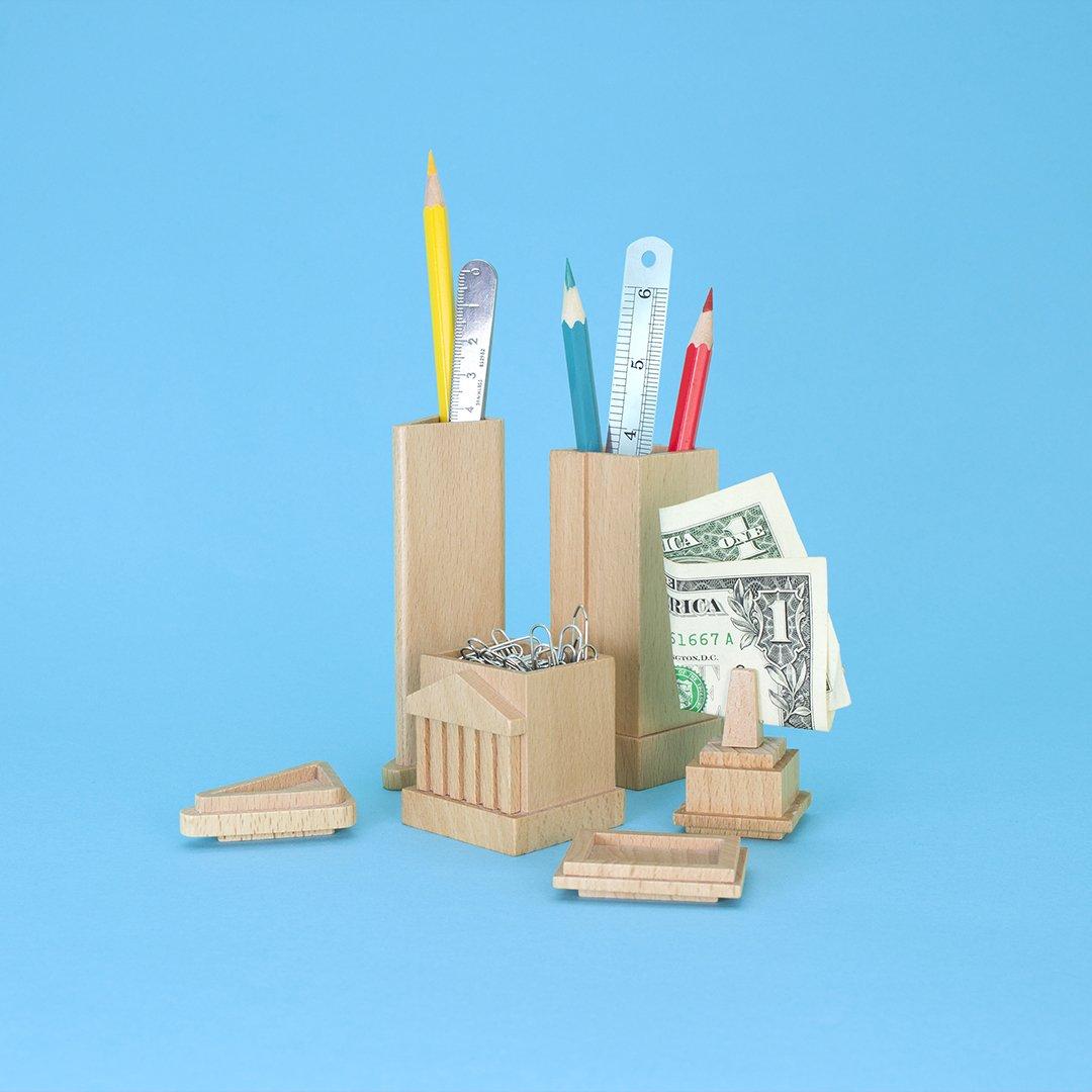 Set aus 3 St/ücken Schreibtisch-Organizer ein aufger/äumter Schreibtisch mit den Wahrzeichen von New York Stifthalter