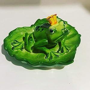 Magik Life Frog Ceramic Figurine- Frog Garden Décor- Frog Yard and Lawn Decorations- Porcelain Figurines-Animal Figurines Ceramic- Frog Studio Home- Ceramic Garden Animals (Crown)