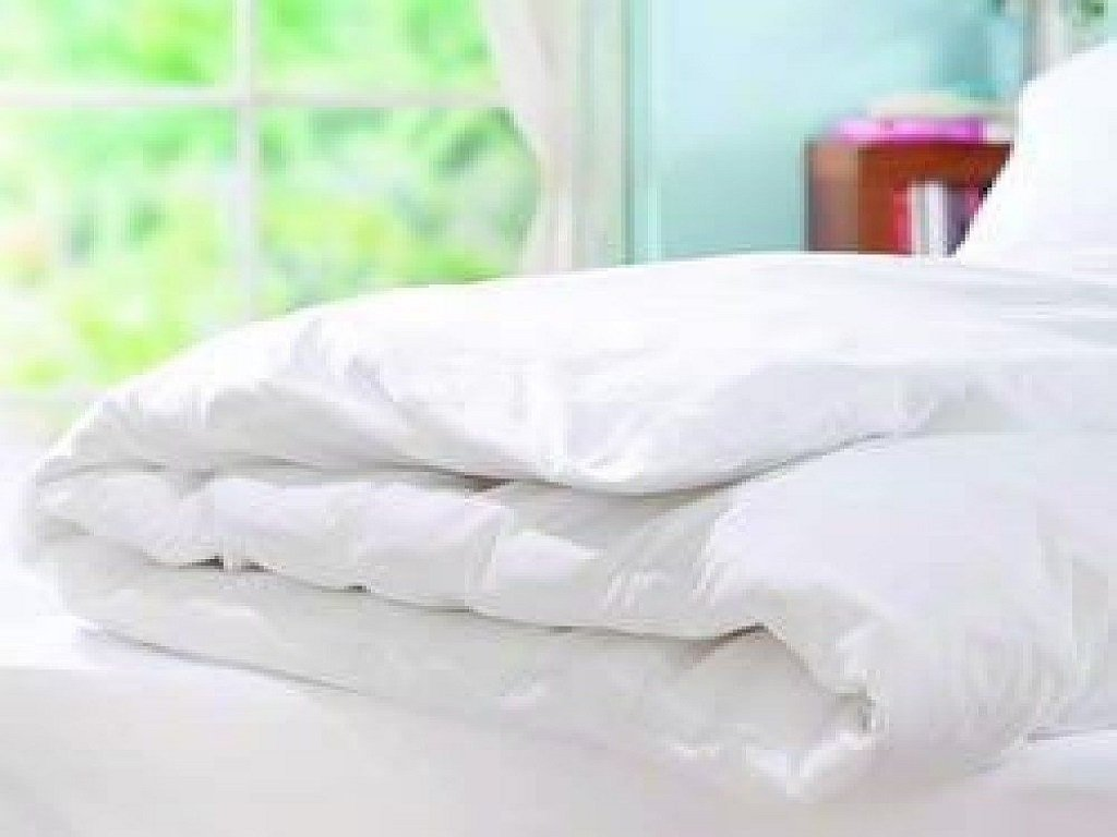 linen hotel and fastening bed duvet white bedding zip zipped protector