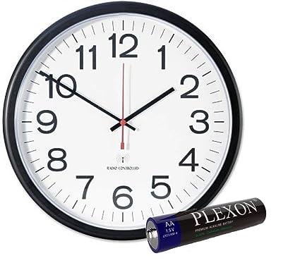 Amazon.com: Universal Indoor/Outdoor Clock, 13 1/2-Inch, Black ...