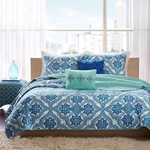 Intelligent Design Lionna Twin/Twin XL Size Quilt Bedding Set - Blue, Bohemian Chic Pattern - 4 Piece Bedding Quilt Coverlets - Peach Skin Fabric Bed Quilts Quilted Coverlet