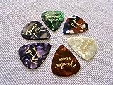 Fender Shape Classic Medium Celluloid Picks, 5 Pack, Medium, multi colour plectrum, guitar