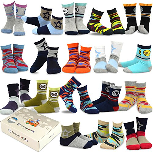 TeeHee Kids Boys Fashion Cotton Crew 18 Pair Pack Gift Box (6-8Y, Star and Camo) 3 Pair Novelty Socks