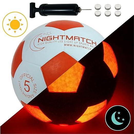 5 opinioni per Pallone da Calcio che si illumina NightMatch incl. una Pompa per gonfiare il