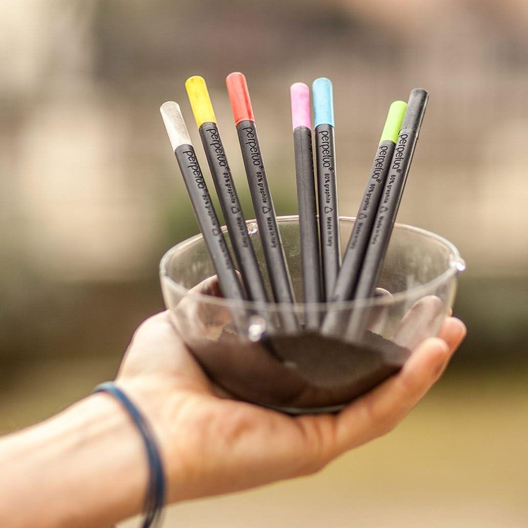 Perpetua la matita in grafite riciclata by Perpetua we had to invent it Top Giallo