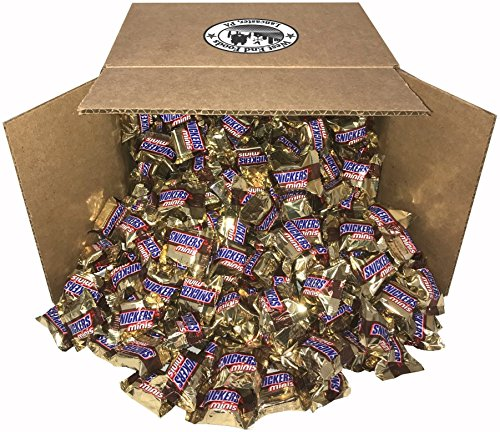 Snickers, Classic Chocolate Candy Bars (5 lbs) Bulk of Minis Snacks in a Bag. Perfect for a Party, Buffet, Pinata, Halloween or Valentine Day Gift Baskets