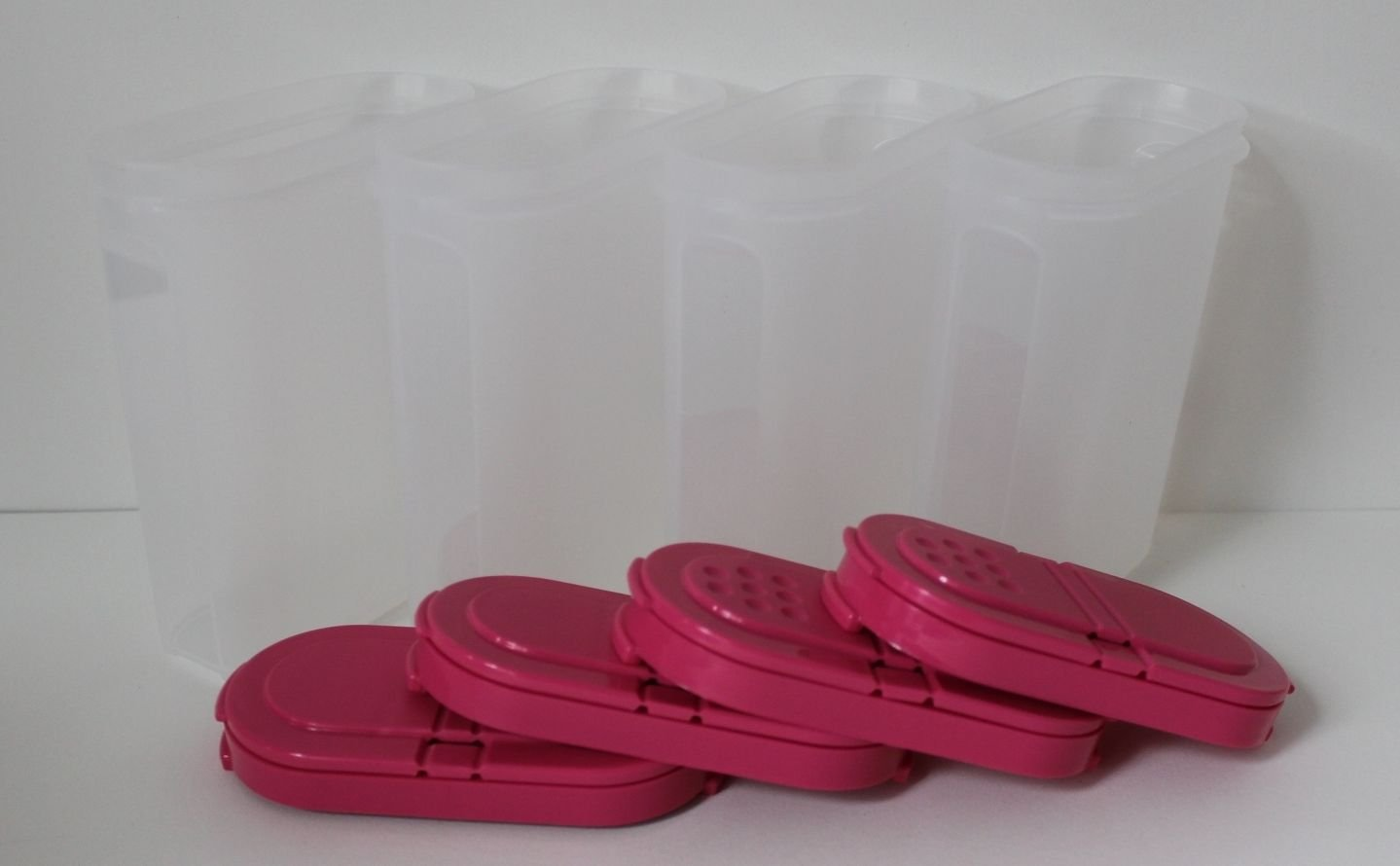 Tupperware Large Spice Shaker Conatiner Set of 4 Pink Punch by Tupperware