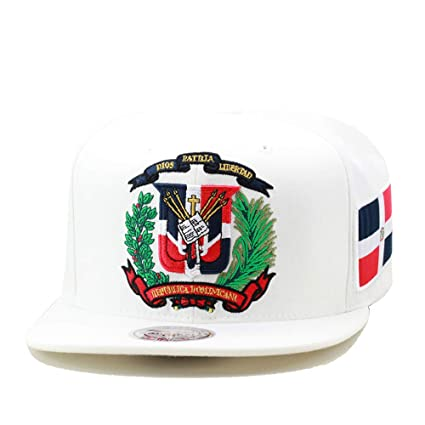 0dd5a4e115d50 Amazon.com  Mitchell   Ness Dominican Republic Snapback Hat Cap White   Sports   Outdoors