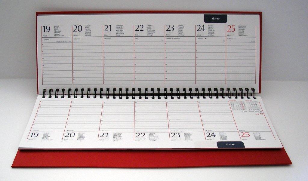 Agenda de mesa con planificador semanal, 2018, roja: Amazon ...