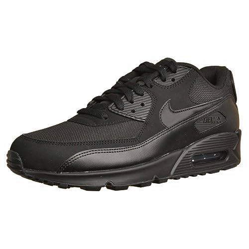 the latest 7fb01 d4ddb NIKE Air MAX 90 Essential, Zapatillas de Gimnasia para Hombre  Amazon.es   Zapatos y complementos