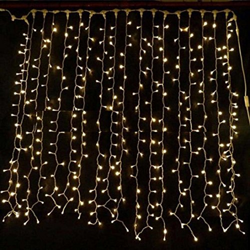 XP Extendable Curtain Light 2m x 1.5m UK Christmas World