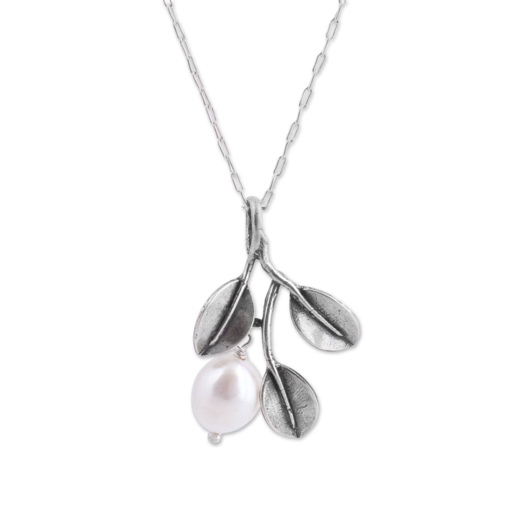 NOVICA Cream Cultured Freshwater Pearl .925 Sterling Silver Necklace, 20.5'', 'Iridescent Pear'