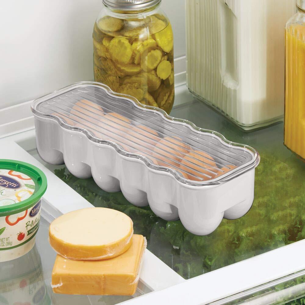 crema//transparente mDesign Huevera para el frigor/ífico Envase para huevos con tapa para guardar hasta una docena Pr/áctica bandeja de pl/ástico con asa para guardar huevos