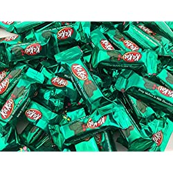 Kit Kat Miniatures Milk Chocolate Crisp Wafers, Green Color, Bulk Pack (Pack of 2 Pounds)