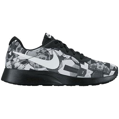e4c30d73cb0 Nike Women s Tanjun Print White Black Running Shoe 8 Women US  Amazon.in   Shoes   Handbags