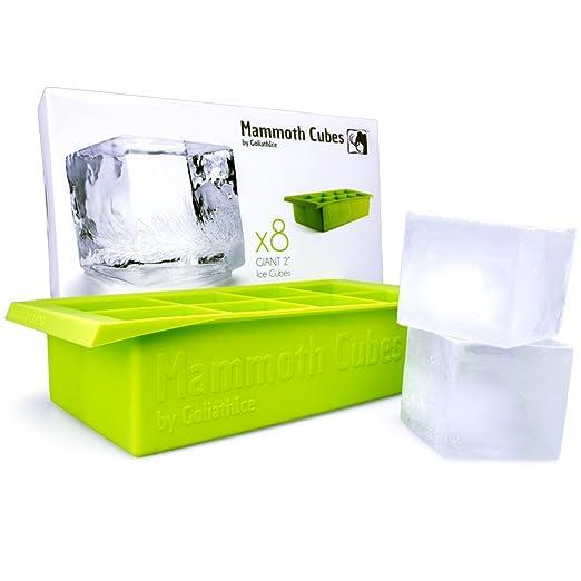 10 opinioni per La vaschetta per il ghiaccio mammut crea cubetti da 2 pollici. Super-Raffredda