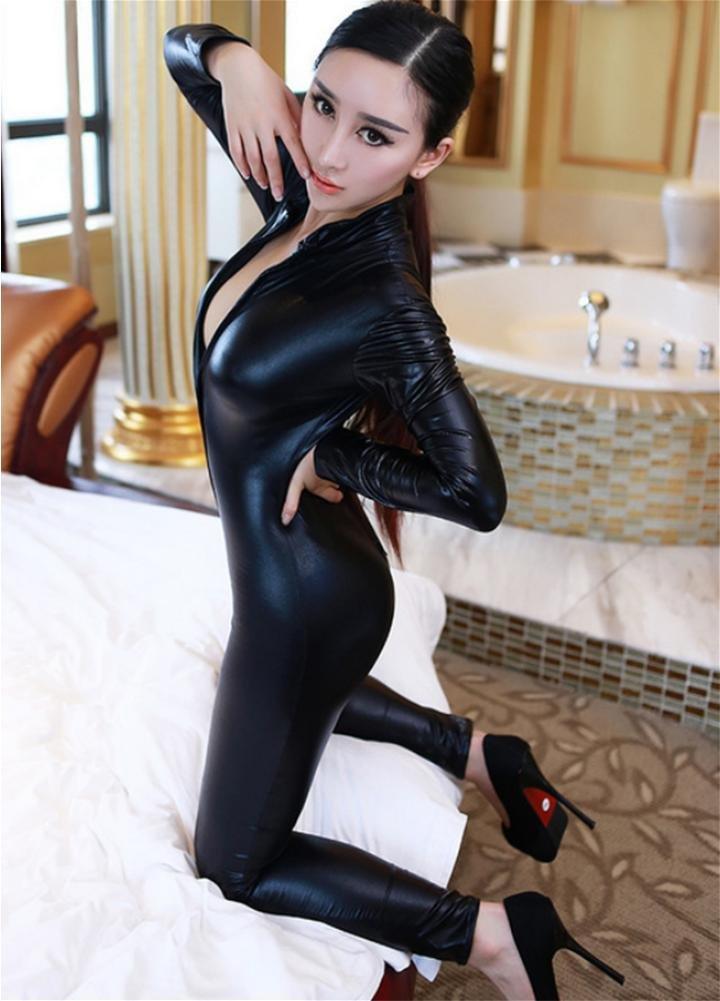 SHIQUNC Donna Catwoman Costumi di Carnevale Catsuit con Coda a Maniche  Lunghe Tuta con Zip Costume Cosplay Travestimenti Halloween Vestito   Amazon.it  Sport ... b6bda60a70b3