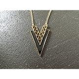 collier sautoir triangle noir