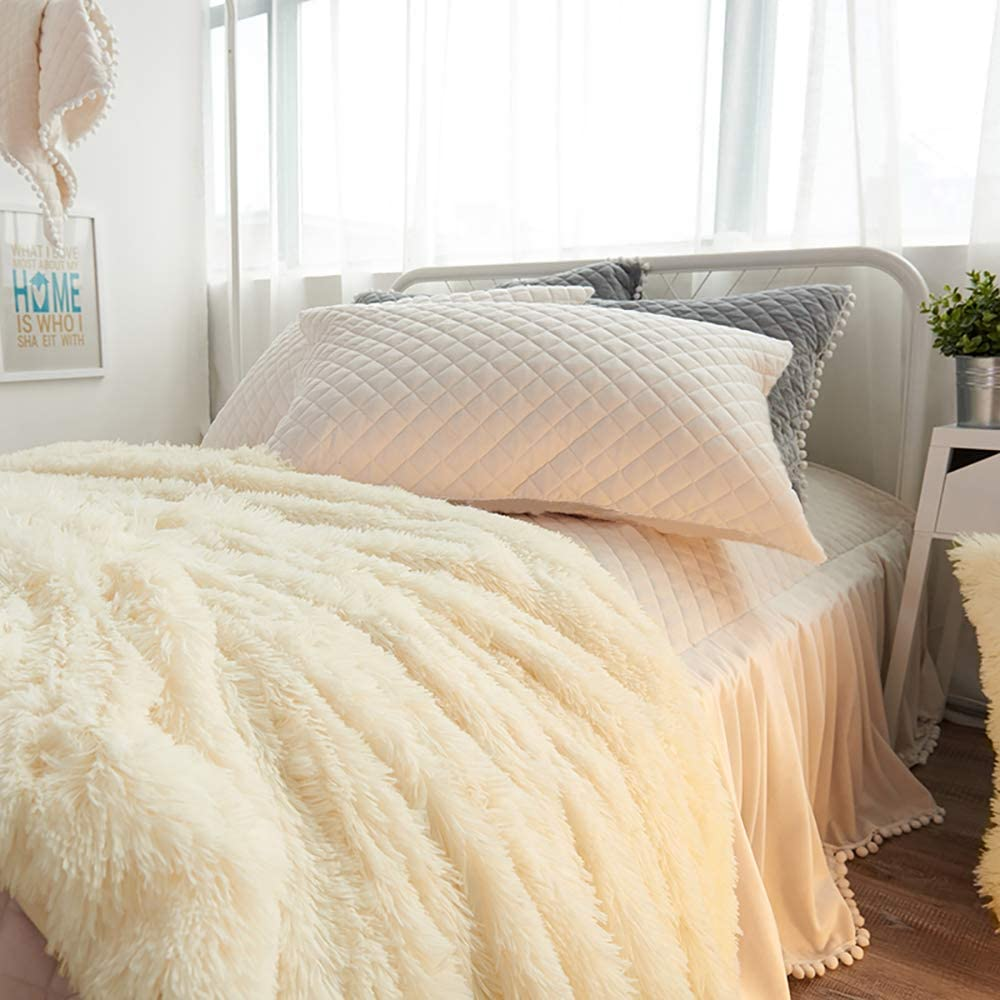 1 Cream White Faux Fur Duvet Cover with Zipper+ 2 Cream Quilted Pillow Shams No Inside Filler Warm and Soft for Winter Uozzi Bedding Luxury Plush Shaggy Flannel 3 PC King Duvet Cover Set