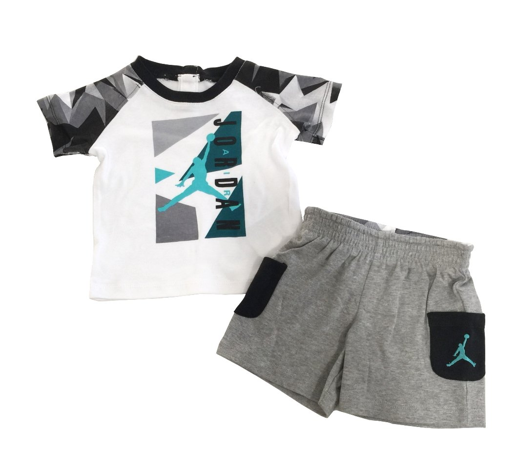 half off 95121 a2dbd Amazon.com  Nike Michael Jordan Infant Layette Bodysuit 3 Pcs Sets 3 6M (0  3M)  Baby