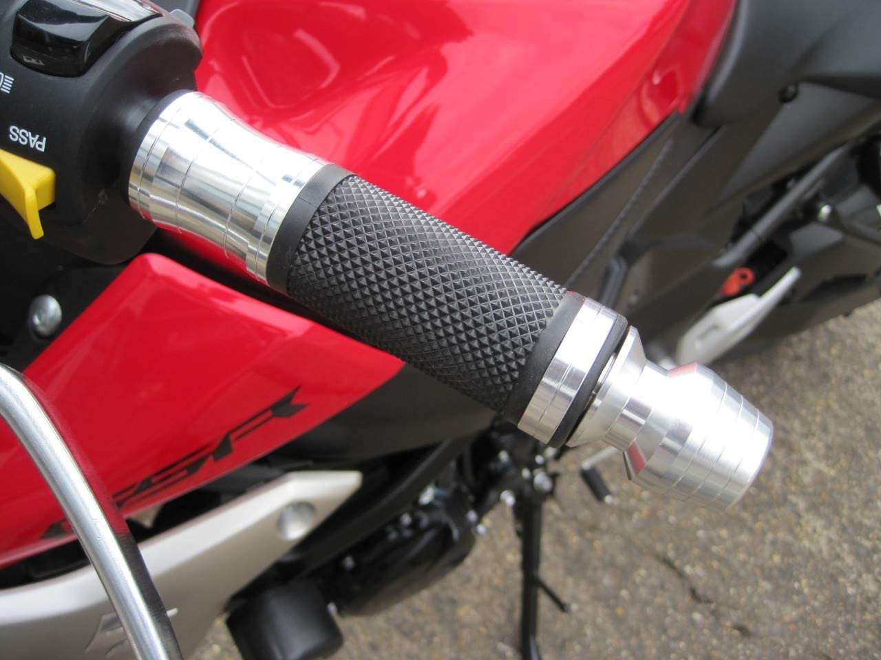polished silver Chrome Aluminum//Rubber Motorbike Hand Grips With Bar Ends