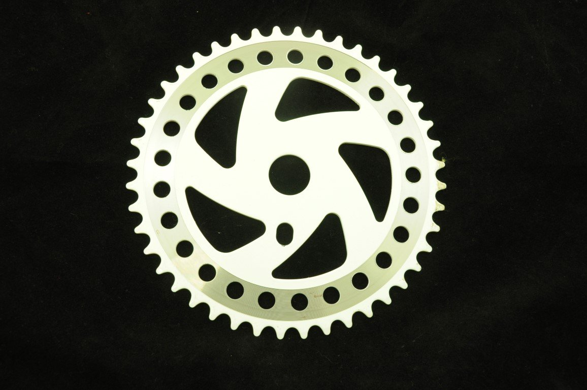 OLD SCHOOL WHITE BMX 44T CHAIN RING STEEL, ONE PIECE CRANKS 44 TEETH