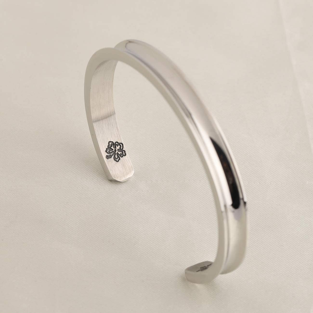 WUSUANED Ohana Means Family Hibiscus Hair Tie Grooved Cuff Bangle Bracelet Hawaii Jewelry Gift for Family Best Friends