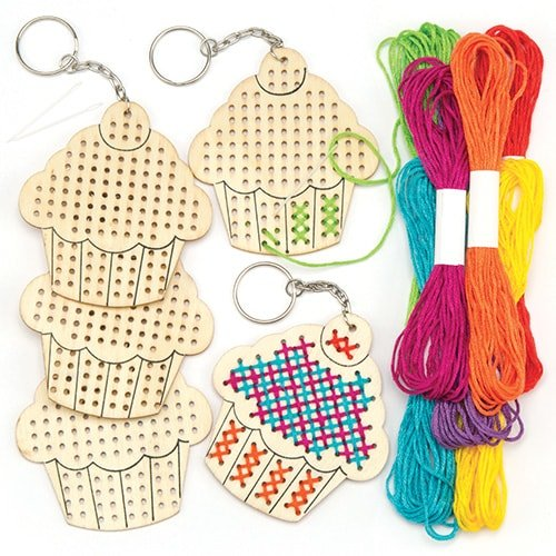 Baker Ross Cupcake Wooden Cross Stitch Keyring Kits Perfect for Children's Arts, Crafts and Decorating for Boys and Girls (Pack of 5)