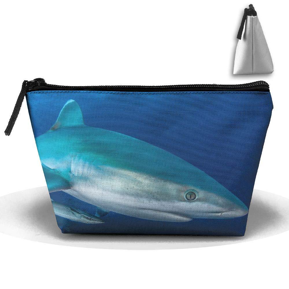 【激安大特価!】 Shark Image メイクアップバッグ Shark 大型 台形 収納 トラベルバッグ ウォッシュ ウォッシュ ジッパー コスメポーチ ペンシルホルダー ジッパー 防水 B07GTX3TQQ, 食べごろBIZ:5c9a5f16 --- arianechie.dominiotemporario.com