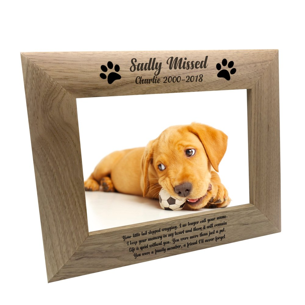 ukgiftstoreonline Personalised Sadly Missed Dog Remembrance Memorial Wooden Photo Frame (4 x 6 Inch)