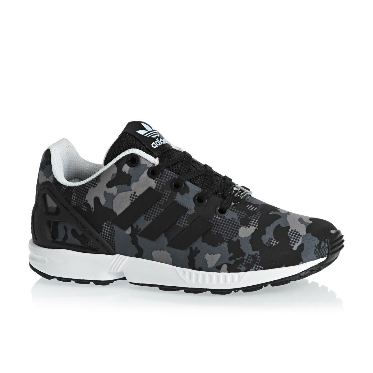 0a6e30466581e adidas Boys Originals Junior Boys ZX Flux Trainers in Charcoal - UK 6   Amazon.co.uk  Shoes   Bags