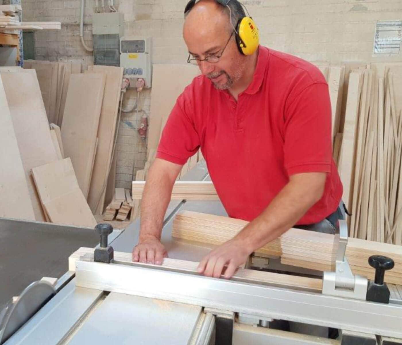 Pannello Spessore 12 mm Legno Multistrato Tavola Multiplex Taglio Compensato Massiccio di Betulla non Trattato Piano Multiuso per il Fai da Te e Bricolage Larghezza 40 cm Lunghezza 85 cm