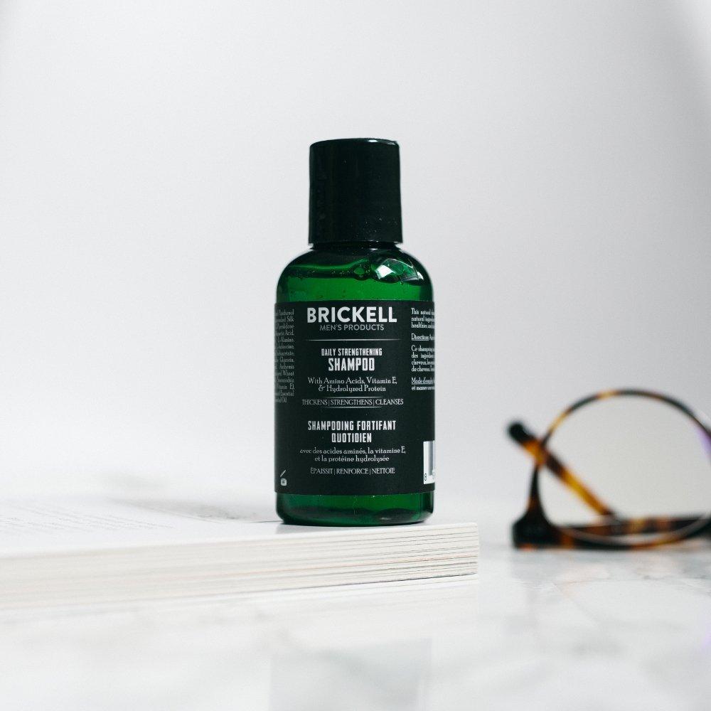 Brickell Mens Products - Champú Fortificante Diario para Hombres Natural y Orgánico - 60 ml: Amazon.es: Belleza