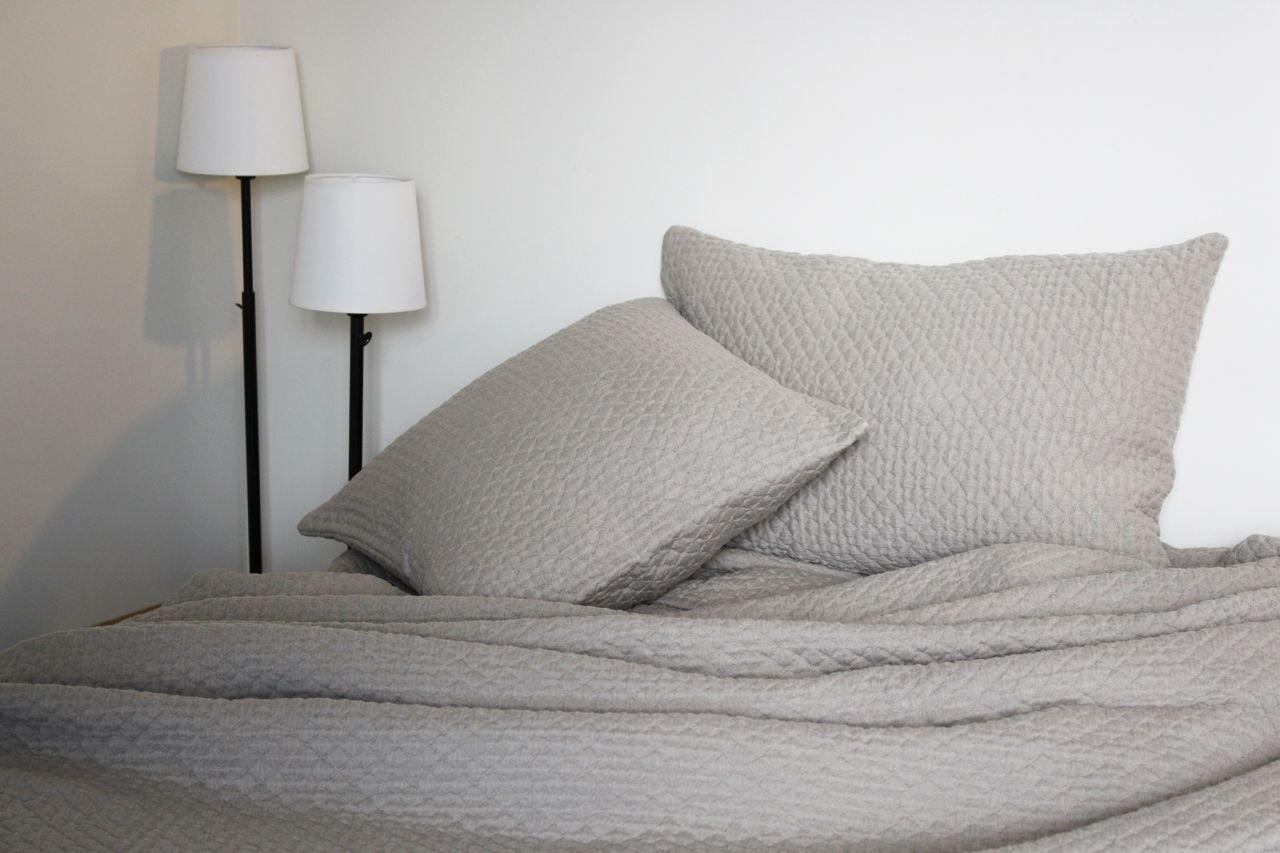 Dessus de lit Brooklyn ficelle coton gaufré stonewashed 230x250 ~ Toison d'Or
