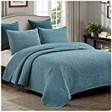Embossed Medallion Quilt Set, Chic Stonewashed Solid with Abstract Laurel Texture, 3-Piece Set with Quilt and Pillow Shams - King, Teal