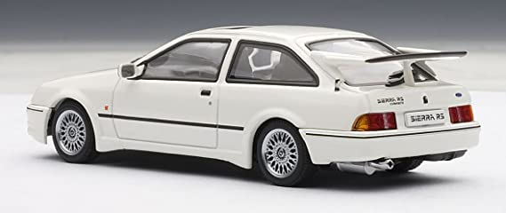 Amazon.com: Ford Sierra RS Cosworth White 1/43 Autoart #52862: Toys & Games