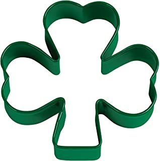 Amazon r m shamrock cookie cutter set st patrick s day wilton green metal shamrock cookie cutter voltagebd Images