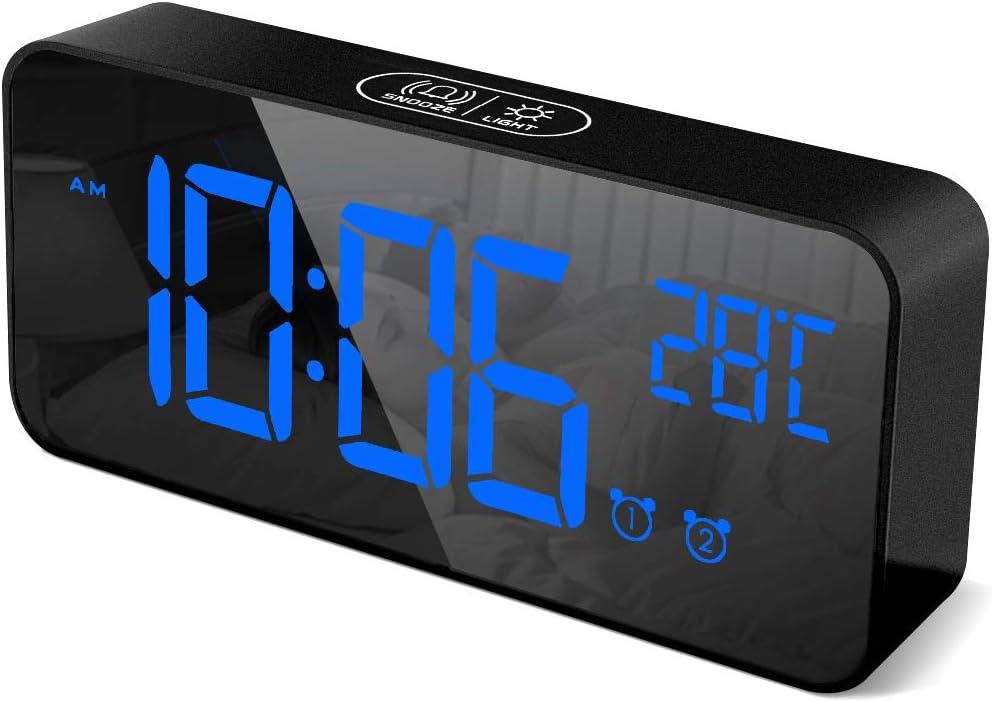 HOMVILLA Reloj Despertador Digital con Pantalla LED de Temperatura, Alarma de Espejo Portátil con Alarma Doble Tiempo de Repetición 4 Niveles de Brillo Regulable Dimmer 13 Música Puerto de Carga