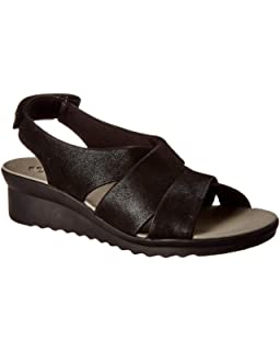 967ae0f9db Amazon.com | CLARKS Womens Un Karely Hail Sandal | Platforms & Wedges