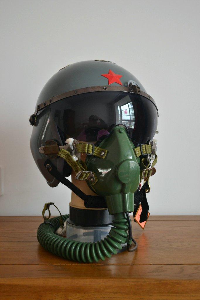 Fuerza aérea luz pilotos vuelo casco QTK auricular, máscara de oxígeno: Amazon.es: Deportes y aire libre