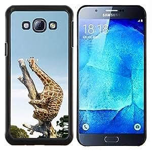 KLONGSHOP // Cubierta de piel con cierre a presión Shell trasero duro de goma Protección Caso - Funny Funny Scared jirafa África - Samsung Galaxy A8 A8000 //