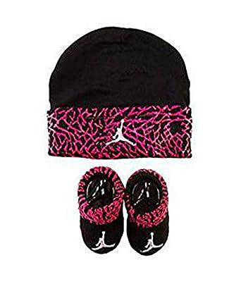 6d601ac55175e8 Amazon.com  Jordan Infant Elephant Hat and Booties Set Fushia or Red 0-6  Months (black)  Clothing