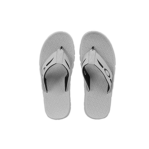 cba7e48b9156 Oakley Men s Operative 2.0 Sandals  Amazon.ca  Shoes   Handbags