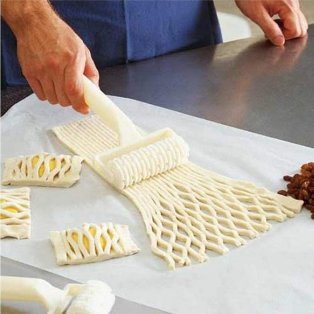 Clearance Tuscom Biscuit Pizza Pie Roller Knife Cake Mould,20x12.2x4.5cm Pizza Cutters Wheels (White)