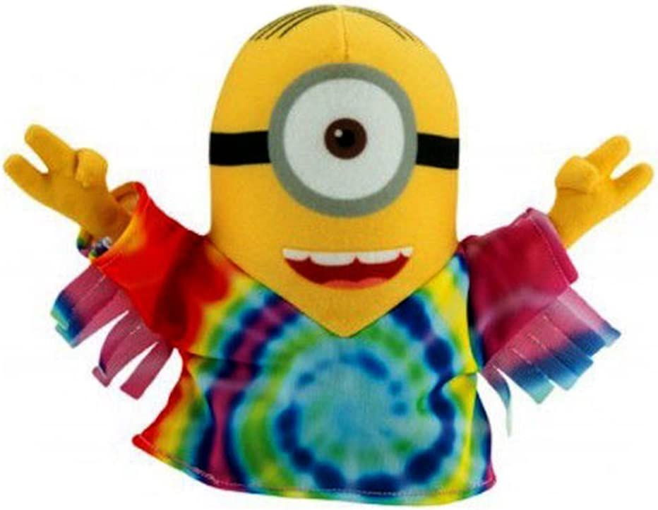 Amazon Com Despicable Me The Minions 2015 Official Movie Hippie Minion Plush Toy Toys Games