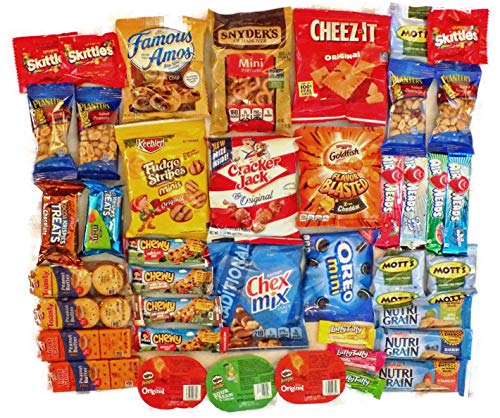 (Crackers Chips Cookies & Candies Snacks Variety Snack Pack Sampler Assortment Care Package 40)