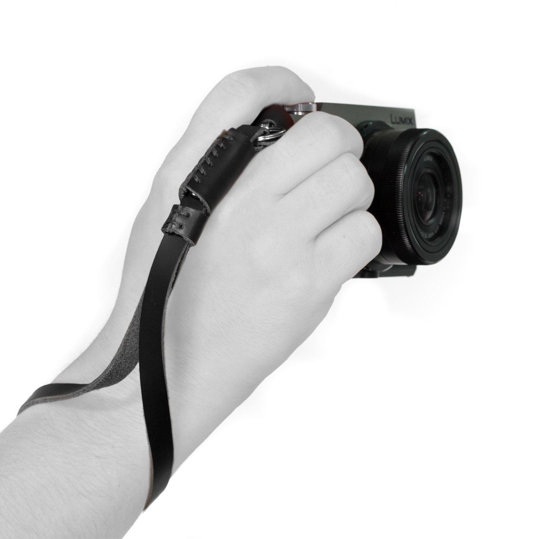 MegaGear MG504 SLR, DSLR Camera Leather Wrist Strap