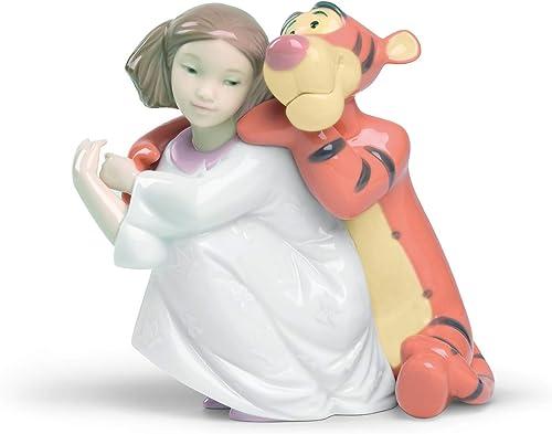 NAO HUGS with Tigger