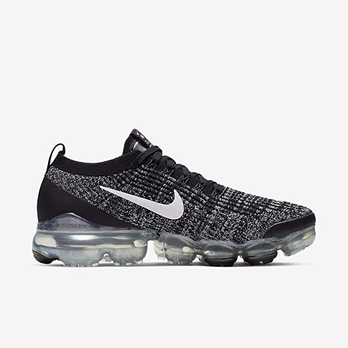 nike running vapormax flyknit trainers in white